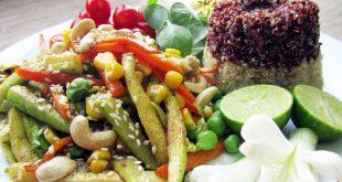 خوراک کینوا قالبی با سبزیجات