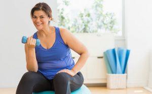 چگونه از افتادگی پوست در کاهش وزن جلوگیری کنیم؟